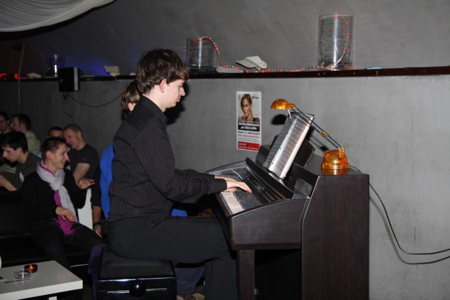Klavír seznamka